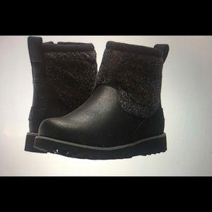 Ugg  Braydon waterproof winter boot boys 5 wms 6.5